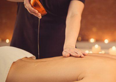 Nugaros arba kojų medaus masažas