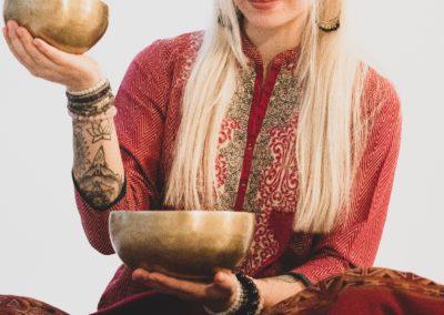 Dainuojančių Tibeto dubenų masažas
